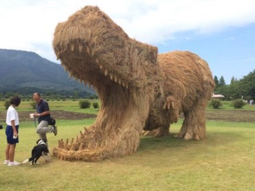 T-Rex Made From Straw