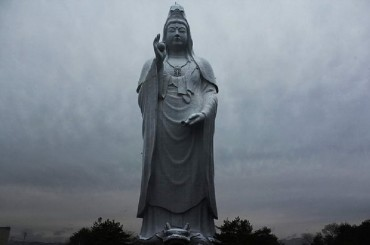 10 of The Most Imposing Statues From Around The World