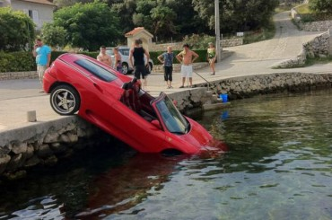 Unexplainable Driving Fails