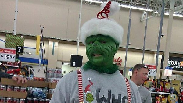 people-of-walmart-christmas-edition-20