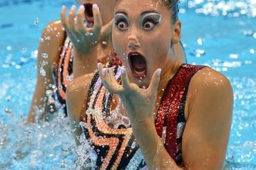 25 Hilarious Synchronized Swimming Photos