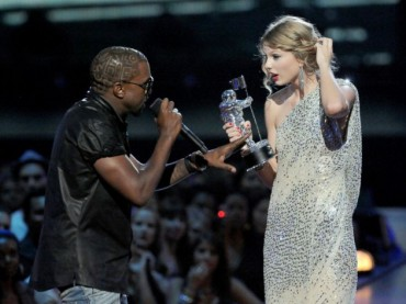 20 Embarrassing Moments In Award Show History