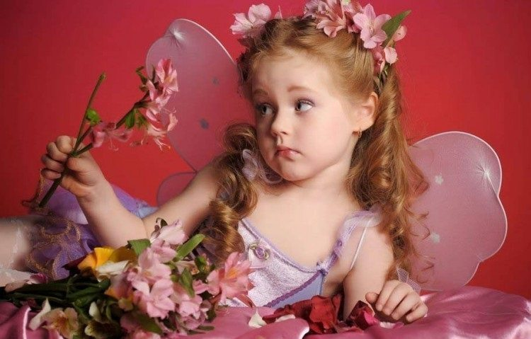 Fairy-Girl-with-Pink-Flowers-and-Magic-Wand