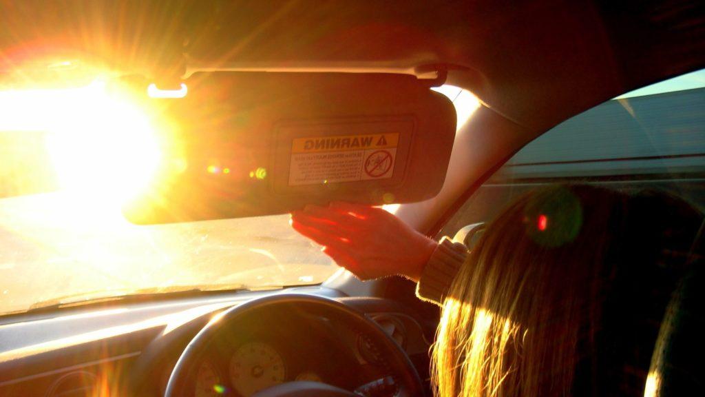 sun-glare-driving-car-tinting