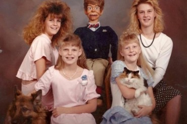 25 Most Awkward Family Portraits From Planet Internet