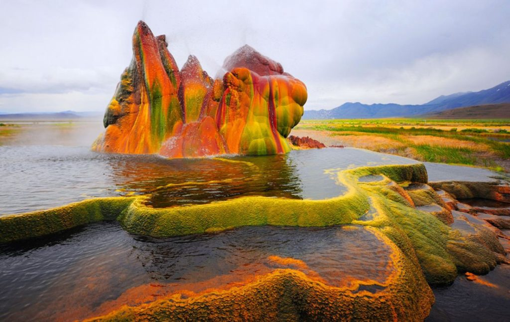 fly-ranch-geyser