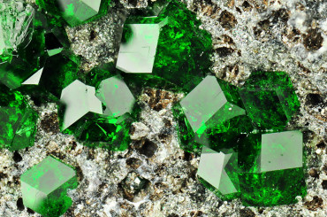 30 Stones and Gems More Beautiful Than You'll Ever Imagine