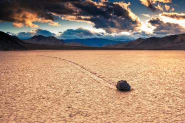 Sailing Stones – Death Valley, USA