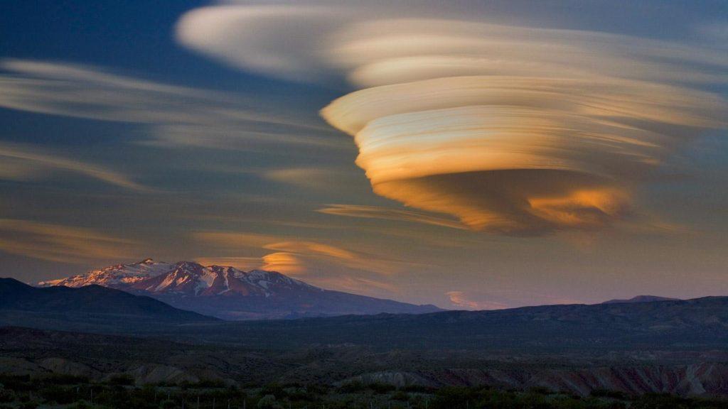 ufo-clouds