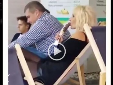 This Girl Eats Ice-Cream in Public And It's Impossible Not To Stare At Her