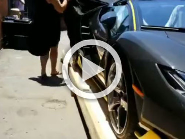 The Moment When The  First World's Lamborghini Centenario Roadster Comes in The USA
