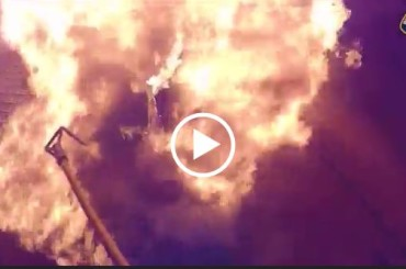 Shocking Video of Californian Firefighters Risking Their Lives