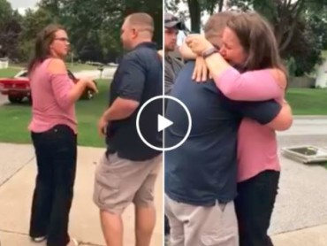 Man Gives His Wife The Keys Of His First Car! Her Reaction Will Impress You