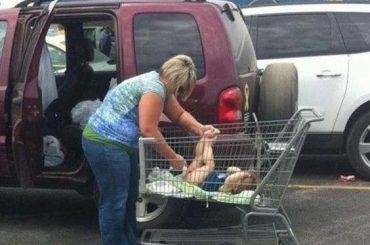 21 Shameless People Visit Walmart