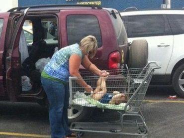 21 Shameless People Visit Walmart