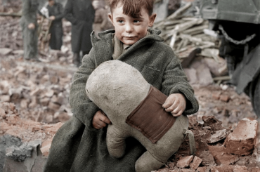 21 Incredible Colorized Historical Photos