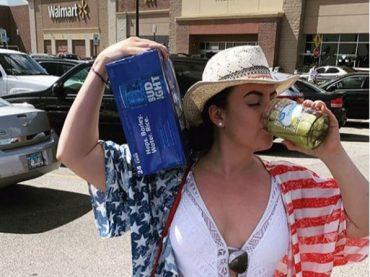 15 Crazy Weird Photos of Shoppers at Walmart