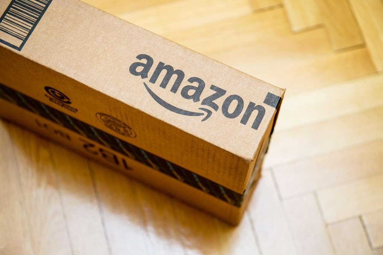 NEVER Buy These 10 Things From Amazon (Here's Why)