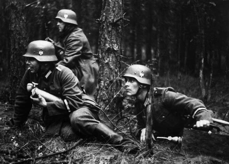 30 Historical Photos From WW2 You Haven't Seen Before